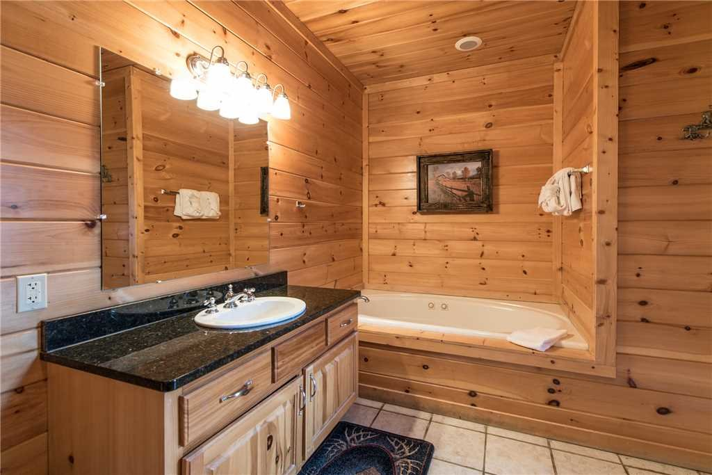 Photo of a Sevierville Cabin named Having A Blast - This is the twenty-eighth photo in the set.
