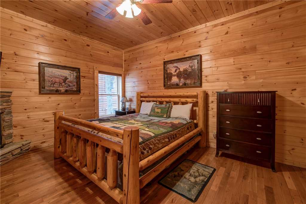 Photo of a Sevierville Cabin named Having A Blast - This is the thirty-third photo in the set.