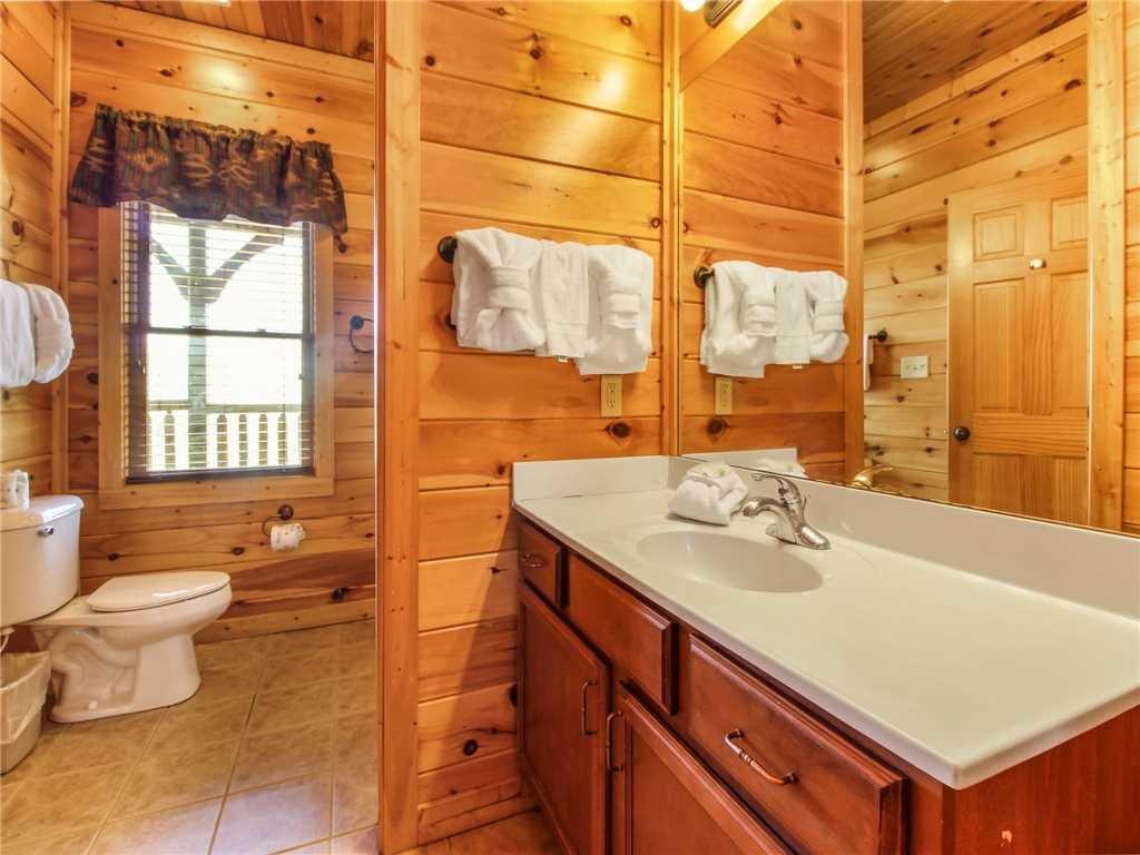Photo of a Gatlinburg Cabin named Big Sky Lodge Ii - This is the twenty-sixth photo in the set.