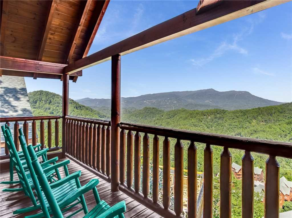 Photo of a Sevierville Cabin named Having A Blast - This is the thirty-seventh photo in the set.