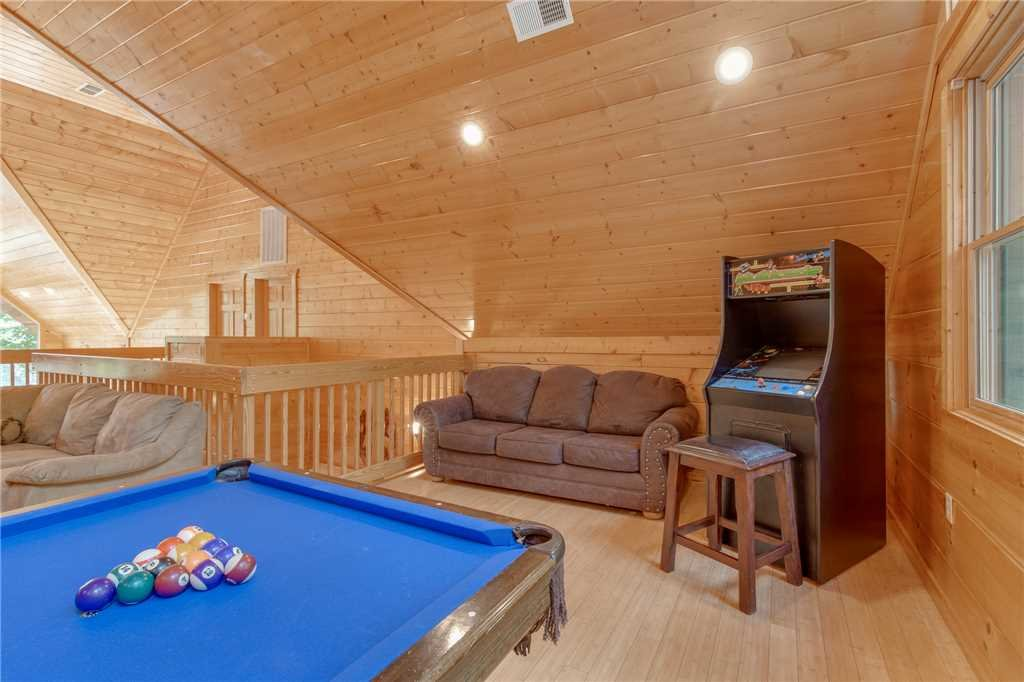 Photo of a Gatlinburg Cabin named Unbridled Spirit - This is the sixteenth photo in the set.