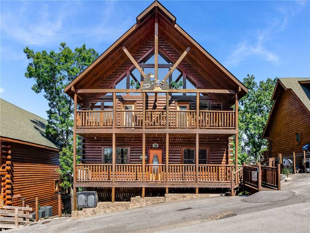 Photo of a Sevierville Cabin named Having A Blast - This is the forty-first photo in the set.