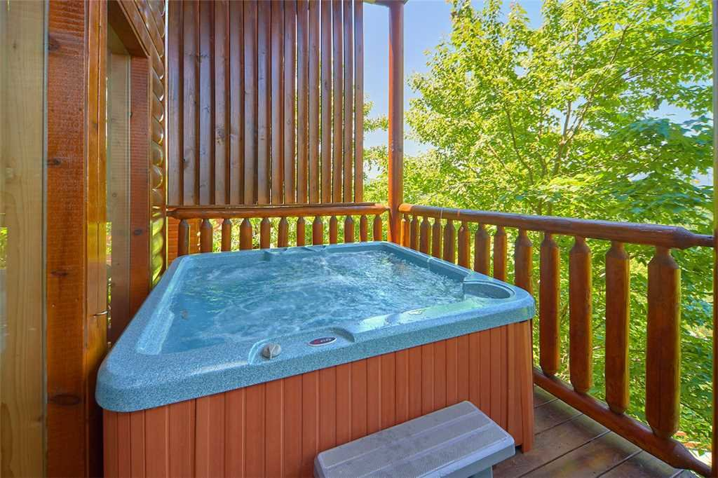 Photo of a Sevierville Cabin named Having A Blast - This is the third photo in the set.