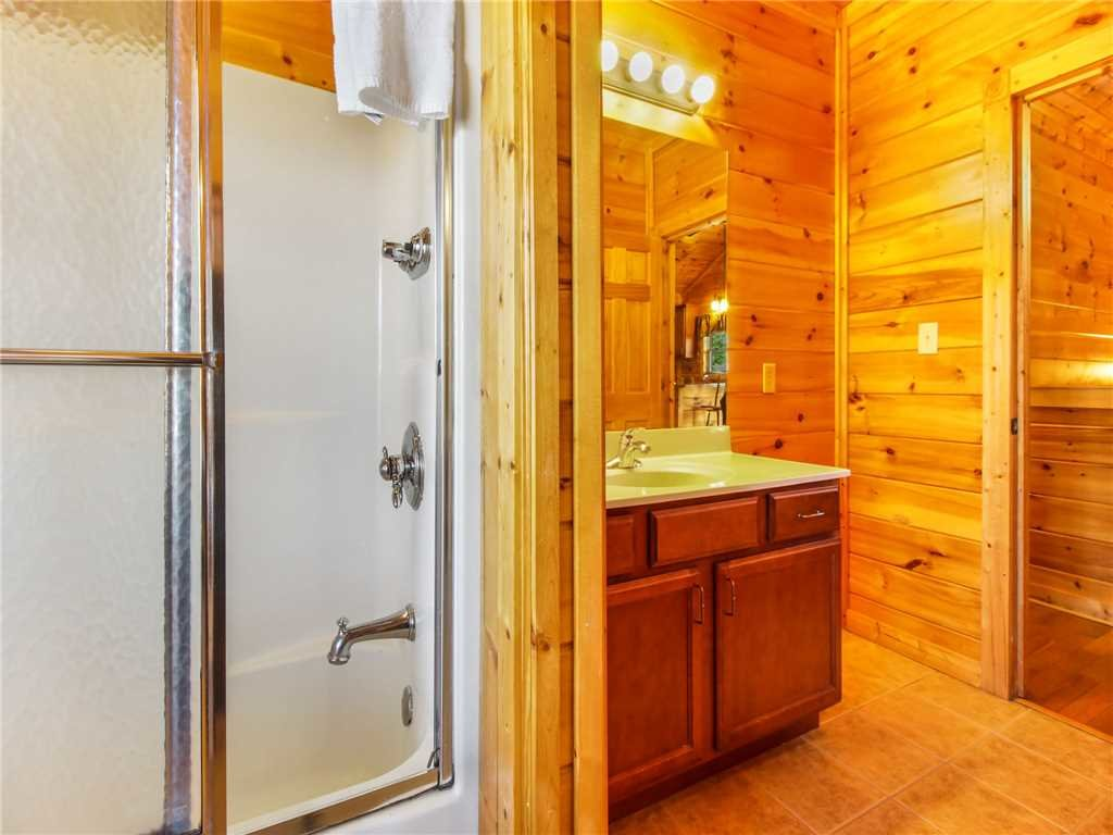 Photo of a Gatlinburg Cabin named Big Sky Lodge Ii - This is the nineteenth photo in the set.