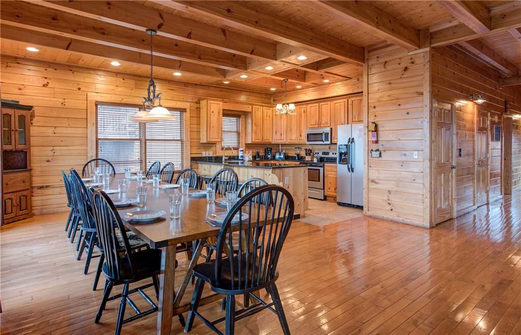 Photo of a Sevierville Cabin named Having A Blast - This is the fifth photo in the set.