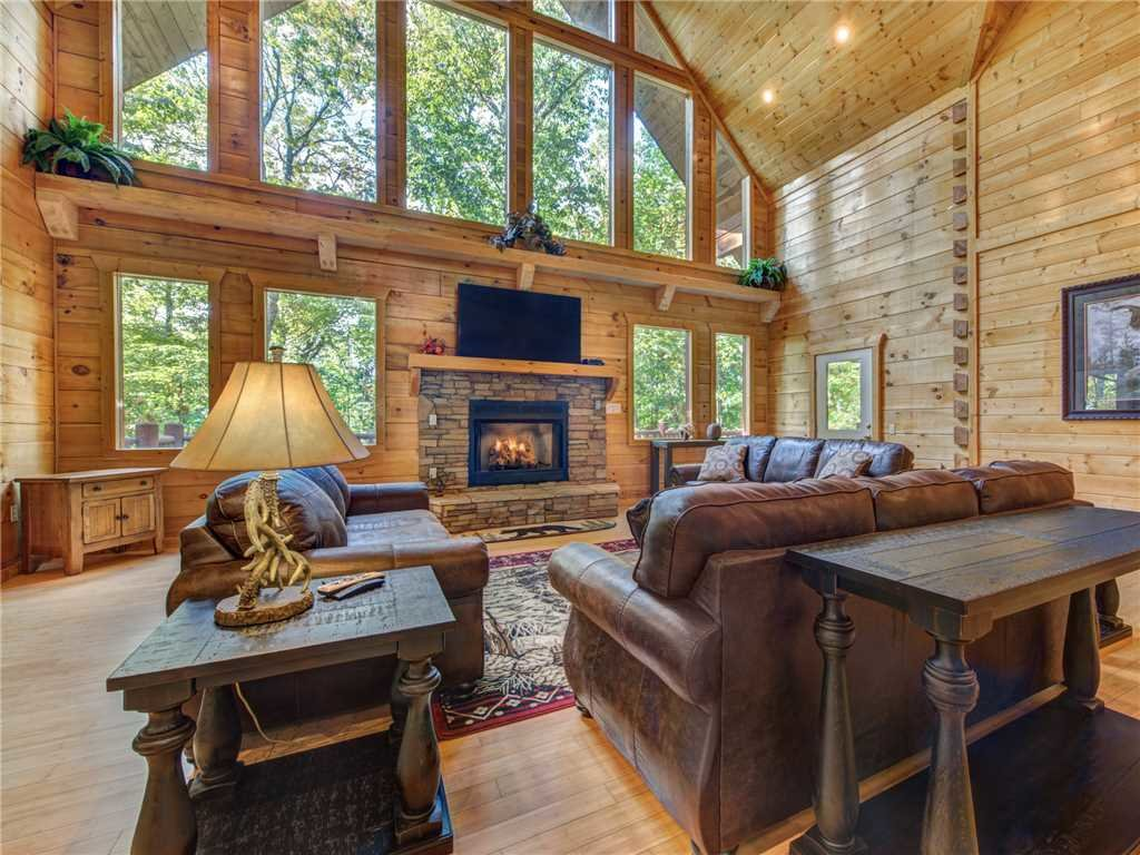 Photo of a Gatlinburg Cabin named Unbridled Spirit - This is the first photo in the set.