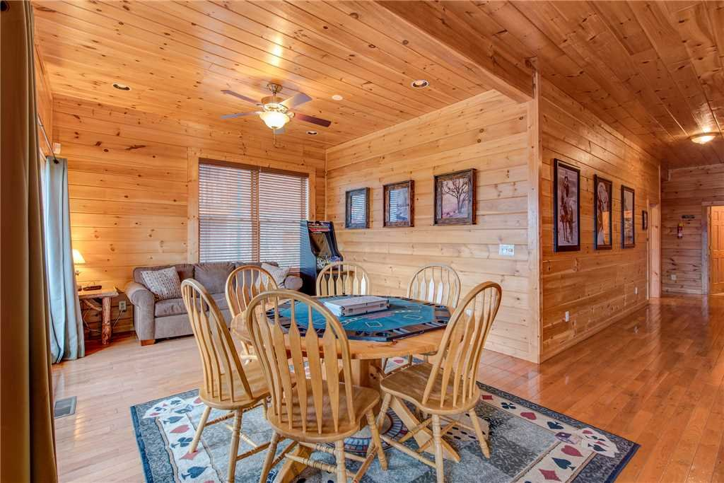 Photo of a Sevierville Cabin named Having A Blast - This is the thirteenth photo in the set.