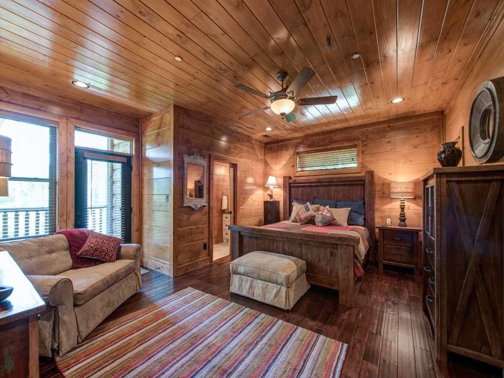 Photo of a Gatlinburg Cabin named Bear Elegance - This is the twenty-fourth photo in the set.