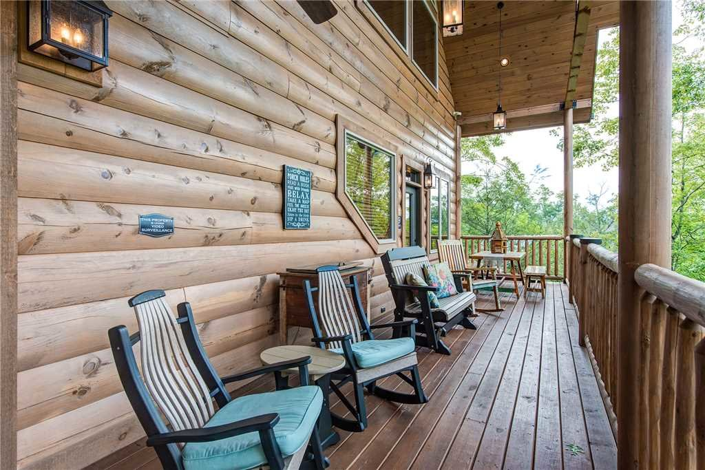 Photo of a Gatlinburg Cabin named Bear Elegance - This is the thirtieth photo in the set.