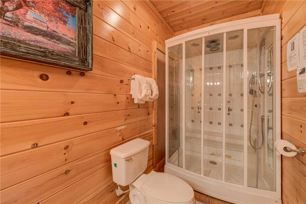 Photo of a Sevierville Cabin named Having A Blast - This is the twenty-fifth photo in the set.