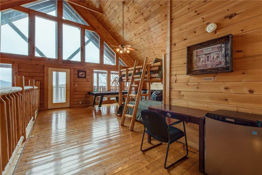 Photo of a Sevierville Cabin named Having A Blast - This is the eighteenth photo in the set.