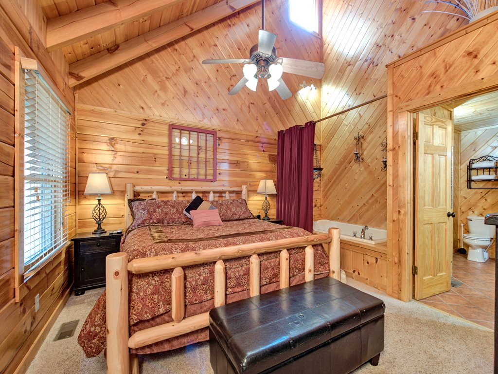 Photo of a Gatlinburg Cabin named Irish Blessings - This is the ninth photo in the set.