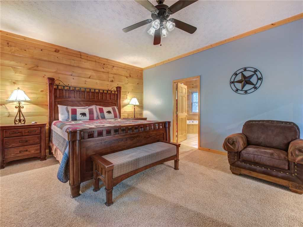 Photo of a Gatlinburg Cabin named Unbridled Spirit - This is the twenty-first photo in the set.