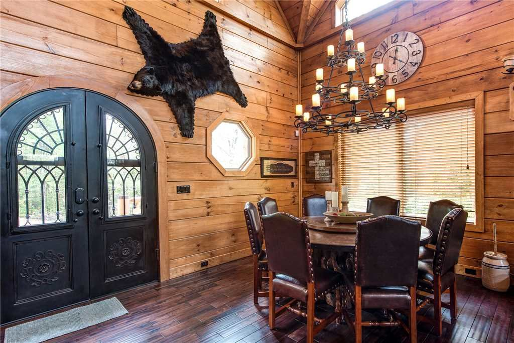 Photo of a Gatlinburg Cabin named Bear Elegance - This is the eighth photo in the set.