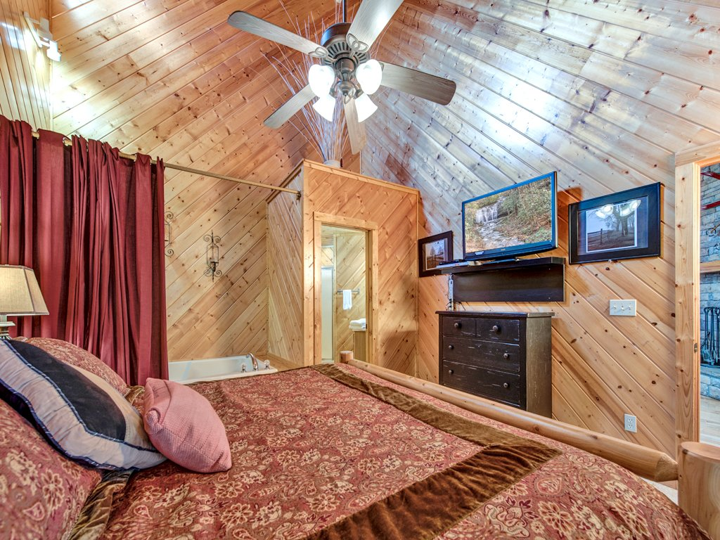 Photo of a Gatlinburg Cabin named Irish Blessings - This is the tenth photo in the set.