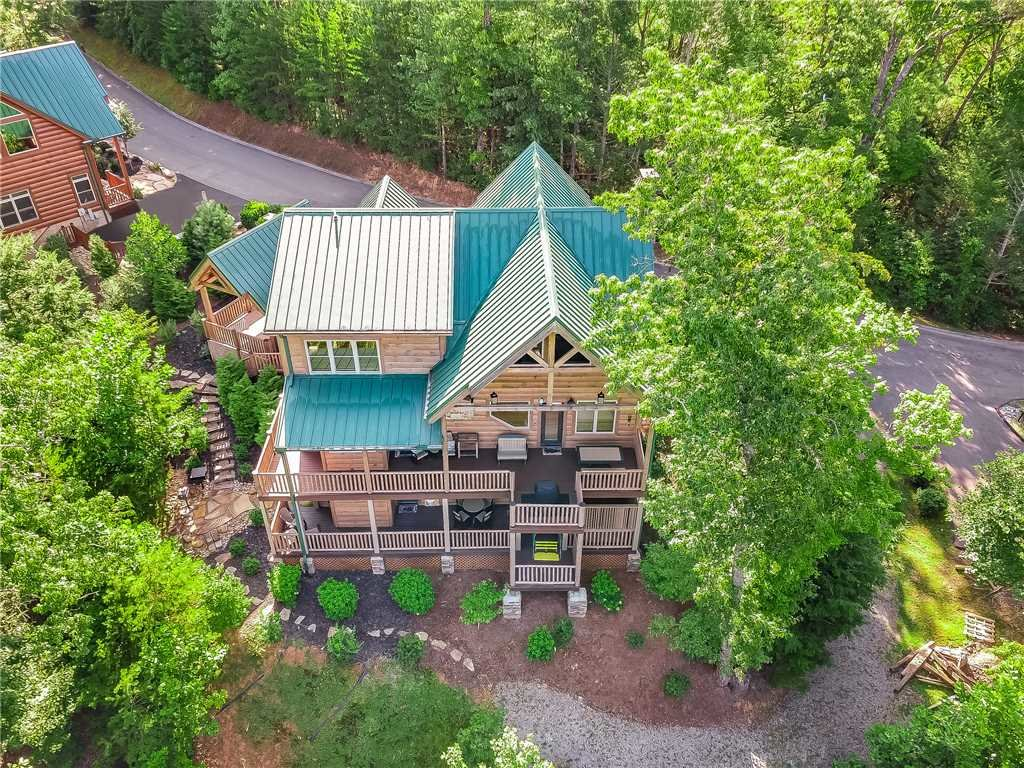 Photo of a Gatlinburg Cabin named Bear Elegance - This is the forty-second photo in the set.