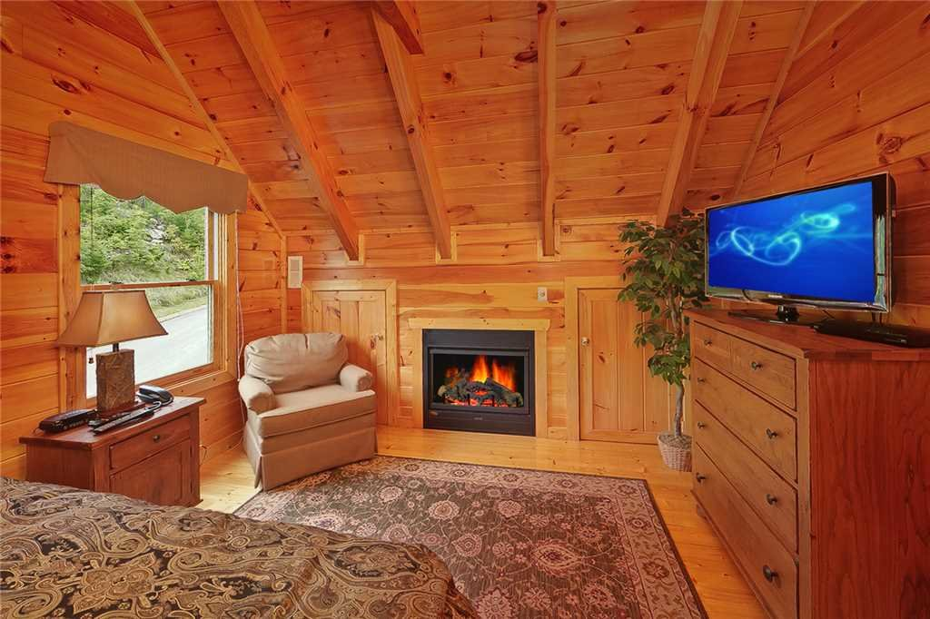 Photo of a Pigeon Forge Cabin named Above All - This is the tenth photo in the set.