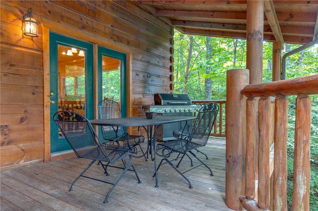 Photo of a Gatlinburg Cabin named Unbridled Spirit - This is the fortieth photo in the set.