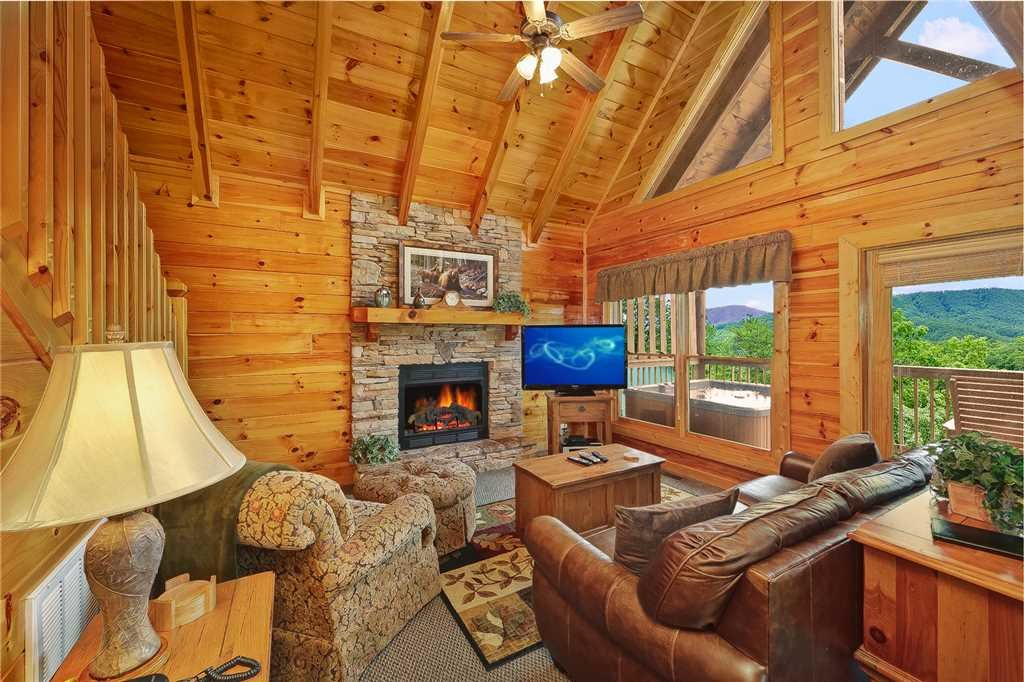 Photo of a Pigeon Forge Cabin named Above All - This is the second photo in the set.