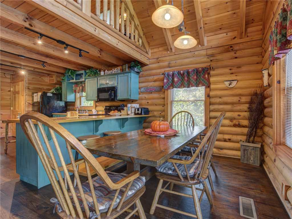 Photo of a Pigeon Forge Cabin named Wilderness Theater And Lodge - This is the fourth photo in the set.