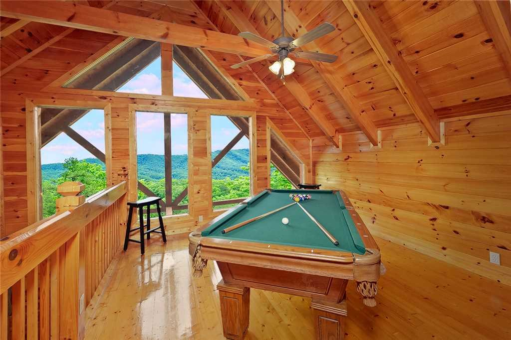 Photo of a Pigeon Forge Cabin named Above All - This is the ninth photo in the set.