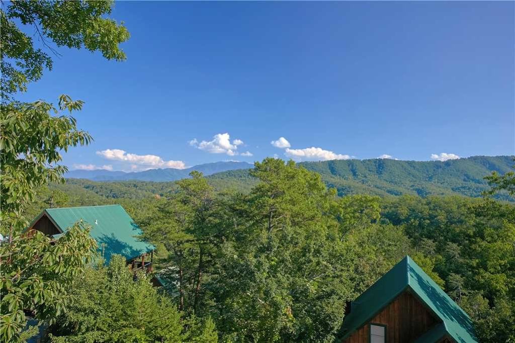 Photo of a Pigeon Forge Cabin named Above All - This is the eighteenth photo in the set.