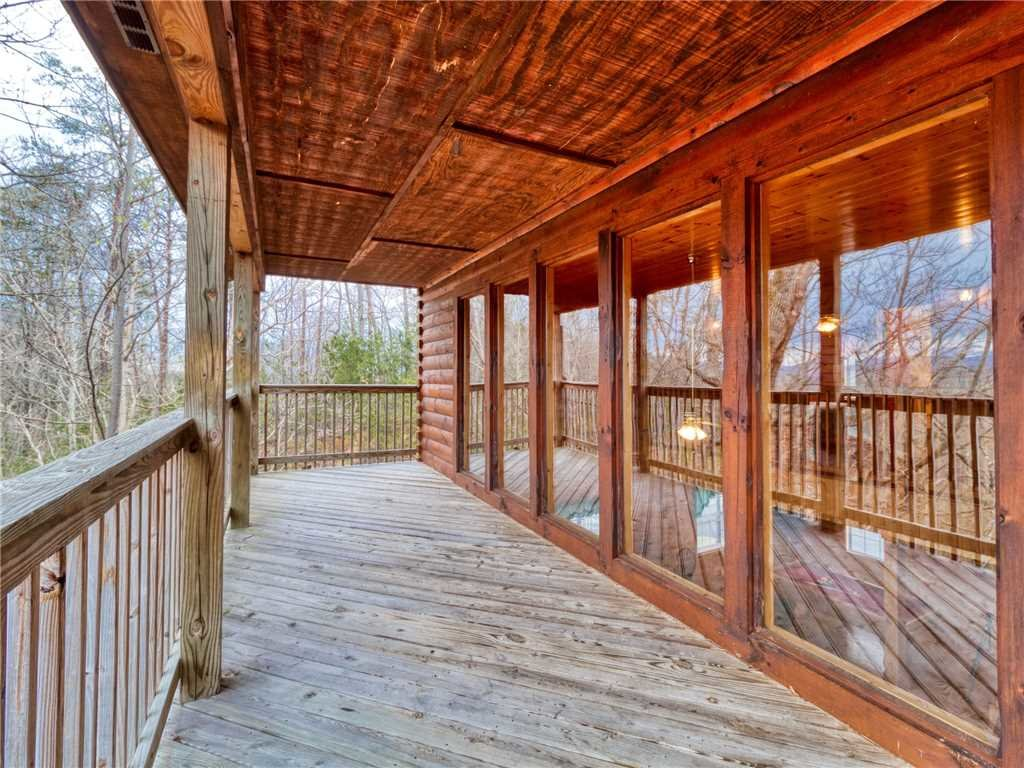 Photo of a Sevierville Cabin named Hawks Point Lodge - This is the thirty-third photo in the set.