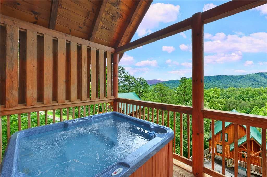 Photo of a Pigeon Forge Cabin named Above All - This is the thirteenth photo in the set.