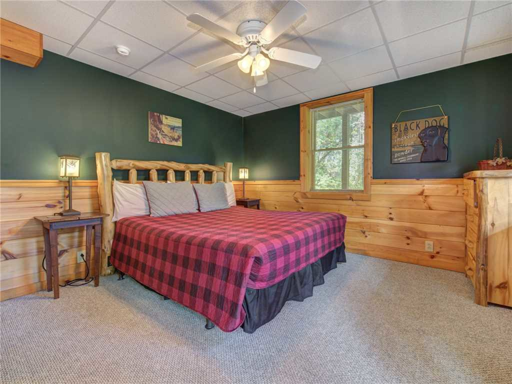 Photo of a Pigeon Forge Cabin named Wilderness Theater And Lodge - This is the nineteenth photo in the set.