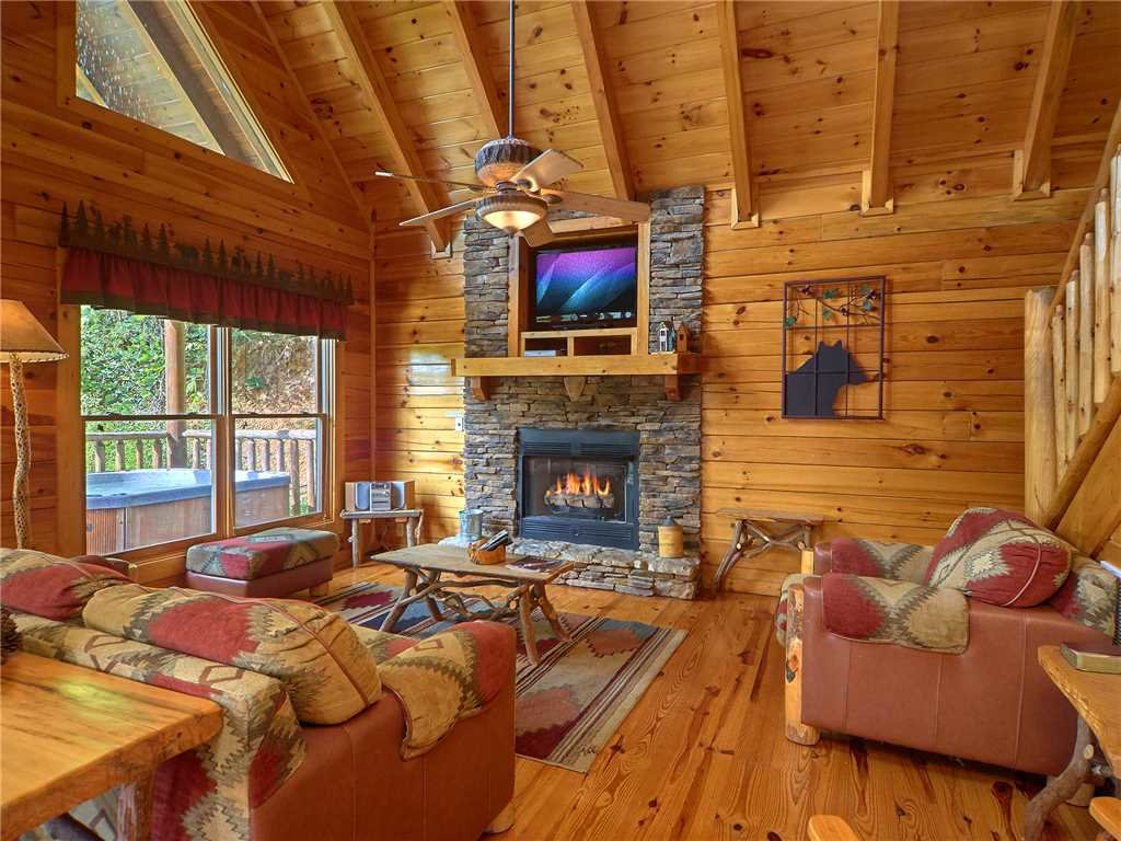 Photo of a Sevierville Cabin named Close To Heaven - This is the second photo in the set.