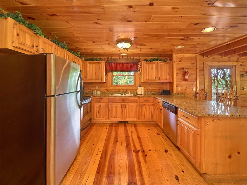 Photo of a Sevierville Cabin named Close To Heaven - This is the seventh photo in the set.