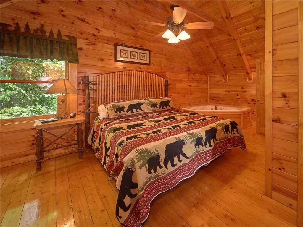 Photo of a Sevierville Cabin named Close To Heaven - This is the ninth photo in the set.