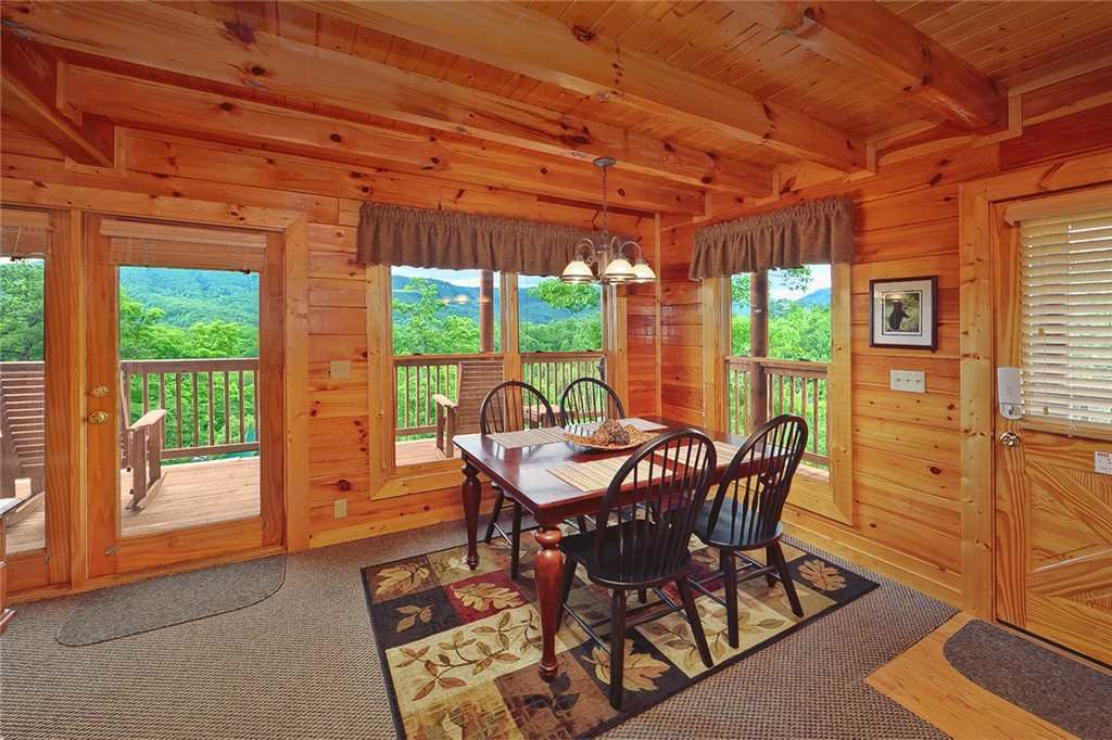 Photo of a Pigeon Forge Cabin named Above All - This is the sixth photo in the set.