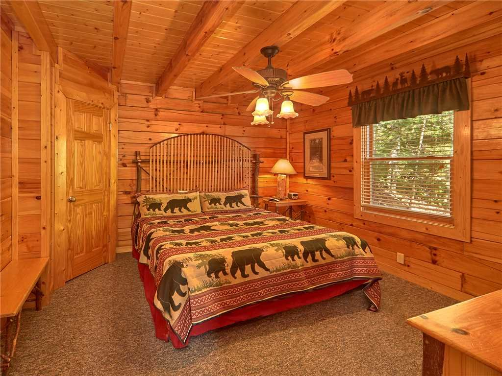 Photo of a Sevierville Cabin named Close To Heaven - This is the thirteenth photo in the set.