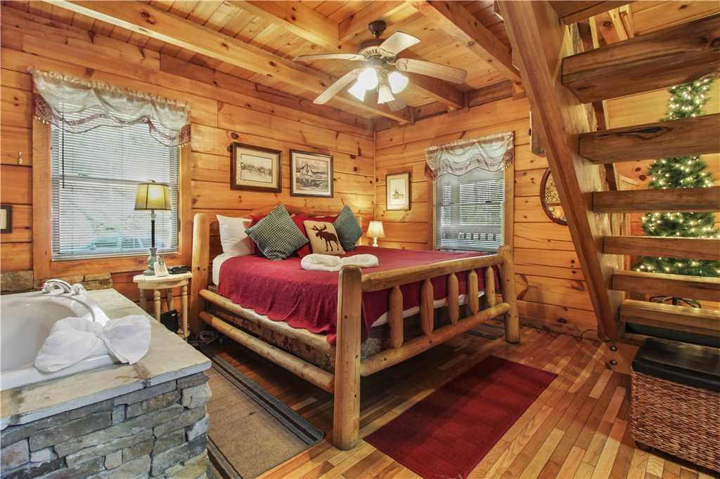 Photo of a Sevierville Cabin named Wild At Heart - This is the seventh photo in the set.