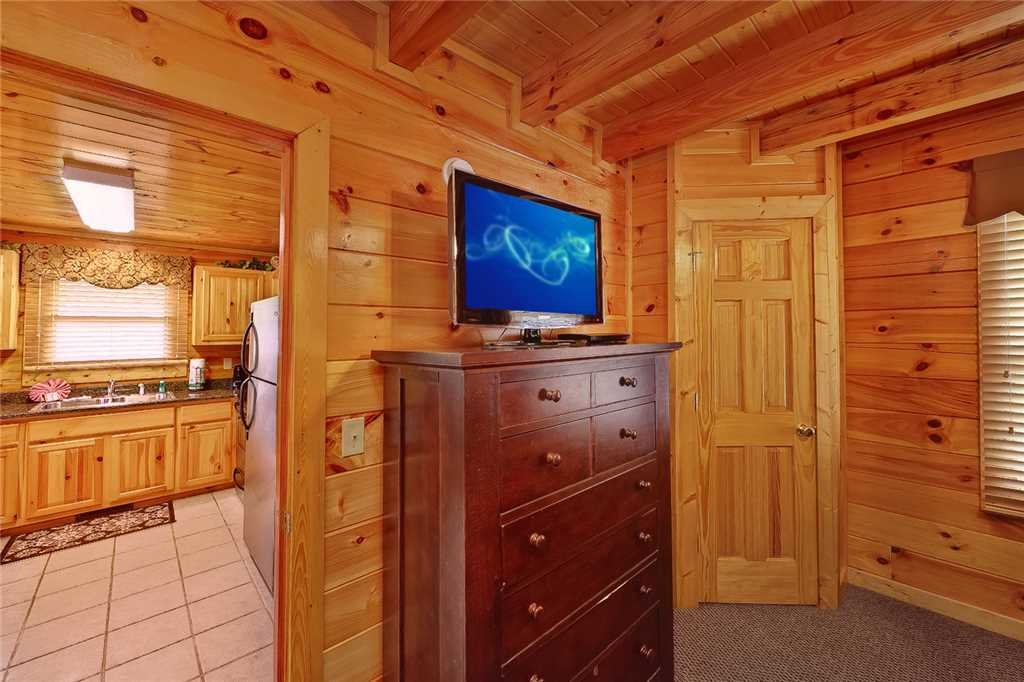Photo of a Pigeon Forge Cabin named Above All - This is the eighth photo in the set.