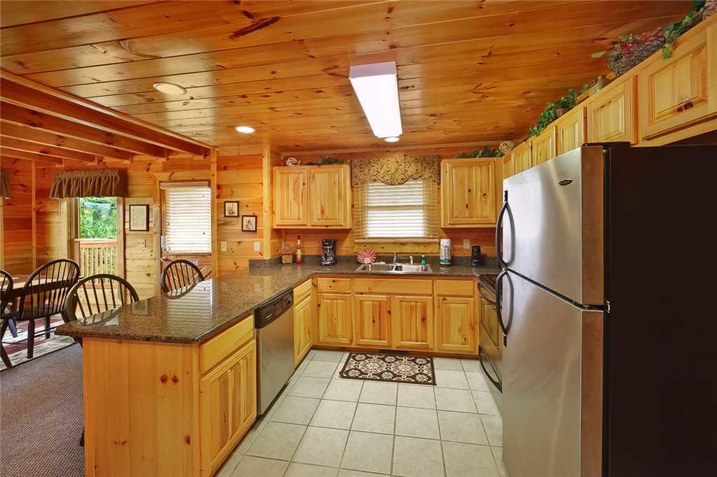 Photo of a Pigeon Forge Cabin named Above All - This is the fifth photo in the set.