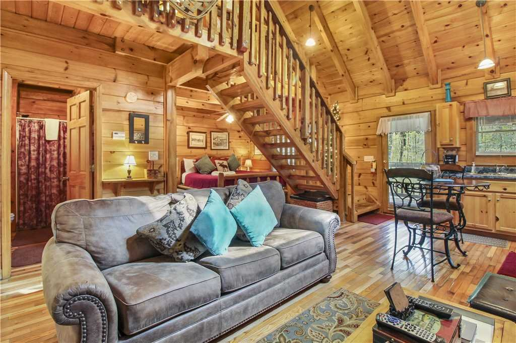Photo of a Sevierville Cabin named Wild At Heart - This is the third photo in the set.