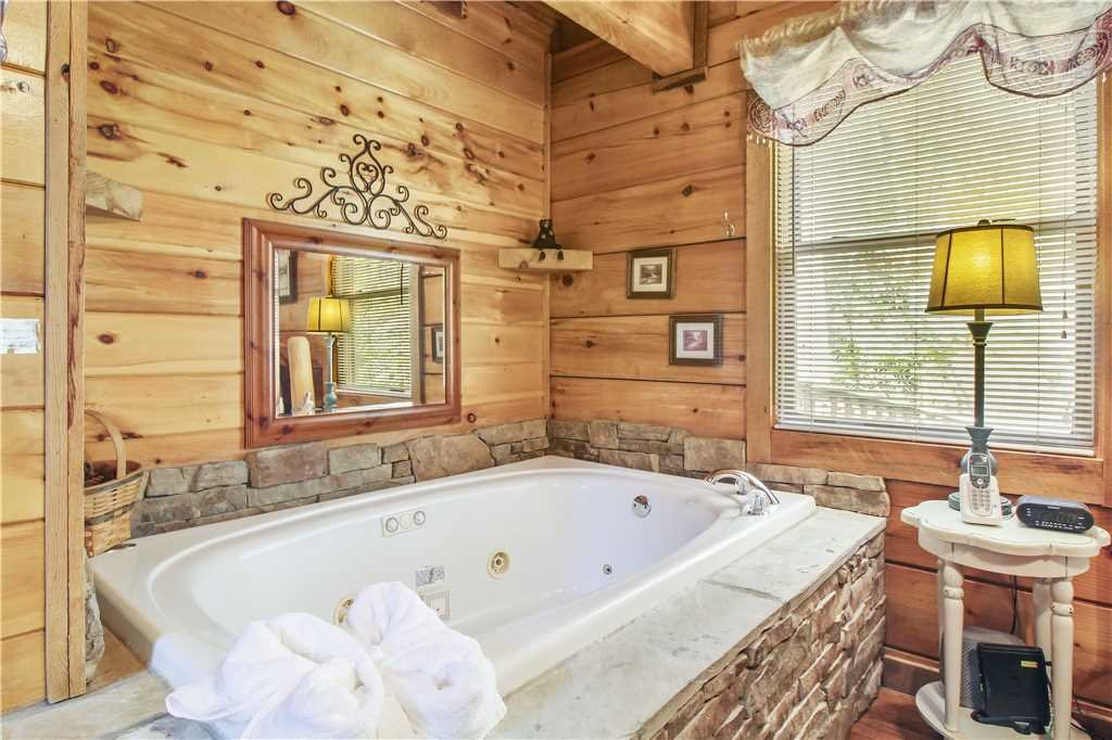 Photo of a Sevierville Cabin named Wild At Heart - This is the eighth photo in the set.