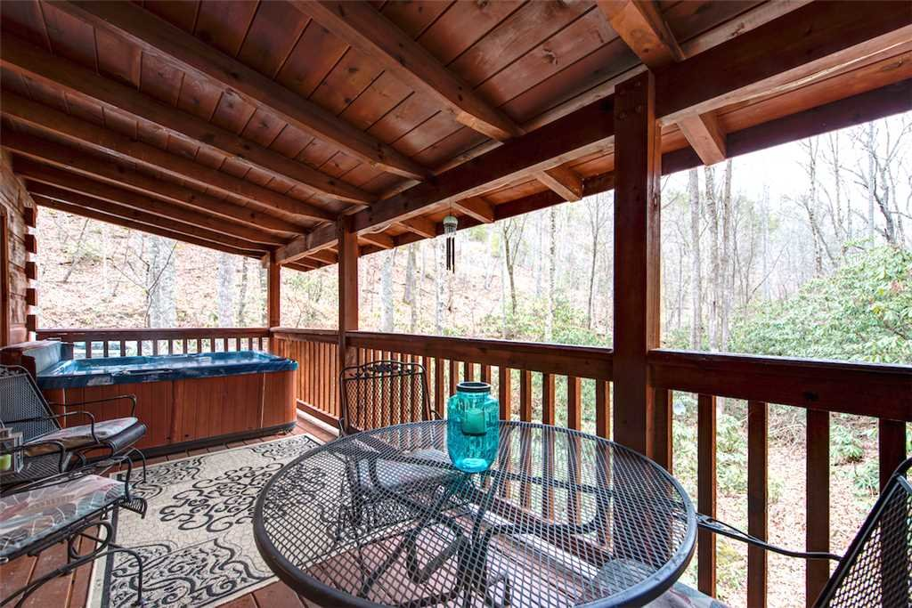 Photo of a Sevierville Cabin named Wild At Heart - This is the thirteenth photo in the set.