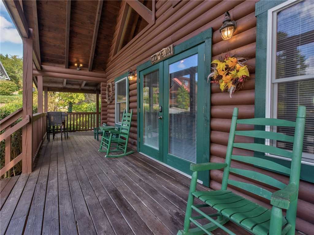 Photo of a Pigeon Forge Cabin named Wilderness Theater And Lodge - This is the twenty-third photo in the set.