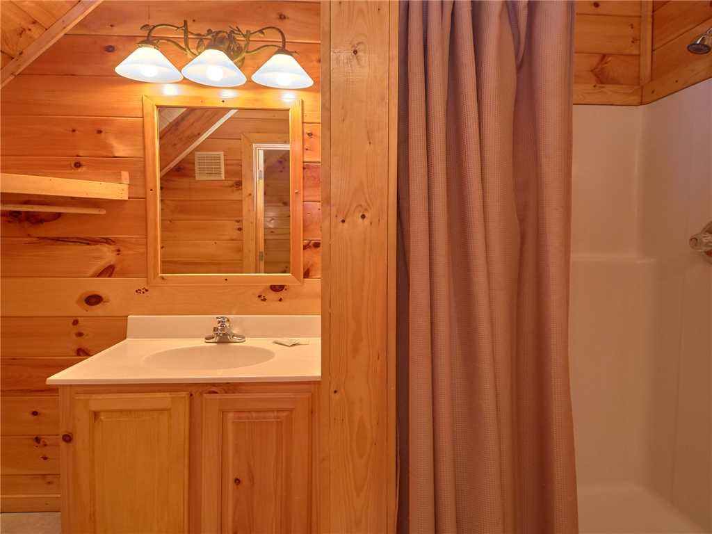 Photo of a Sevierville Cabin named Close To Heaven - This is the fifteenth photo in the set.