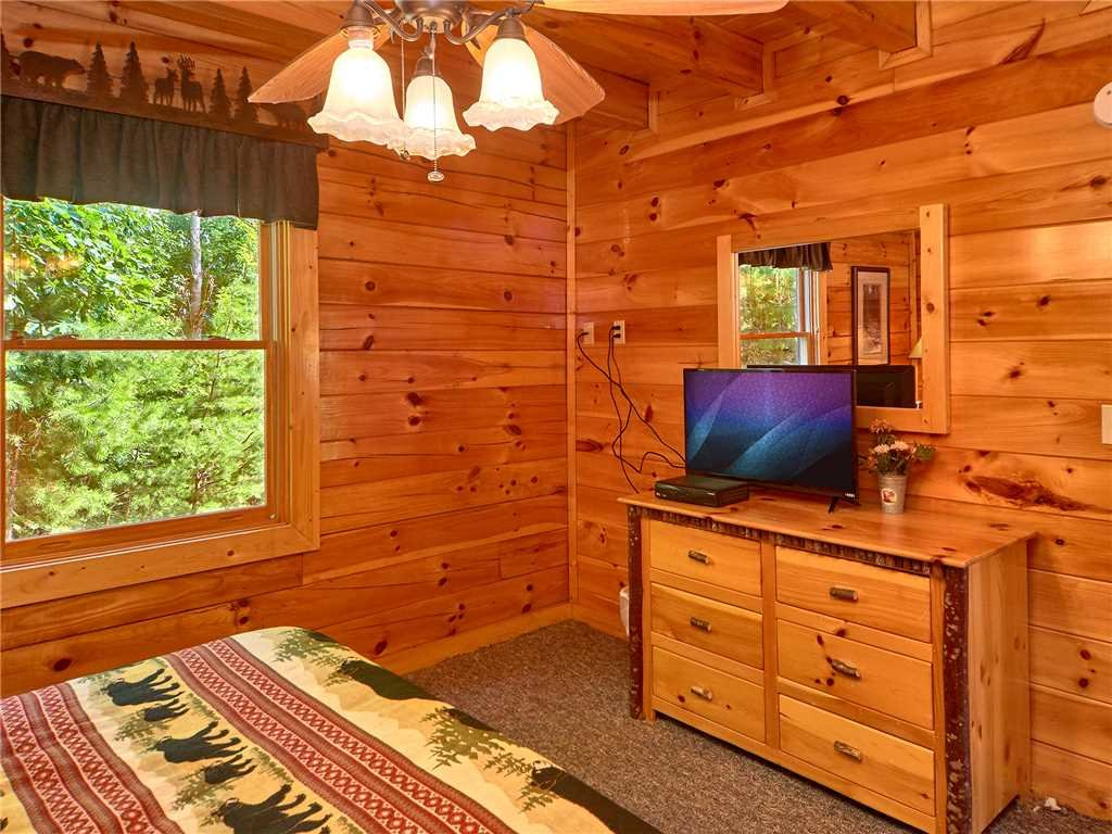 Photo of a Sevierville Cabin named Close To Heaven - This is the fourteenth photo in the set.