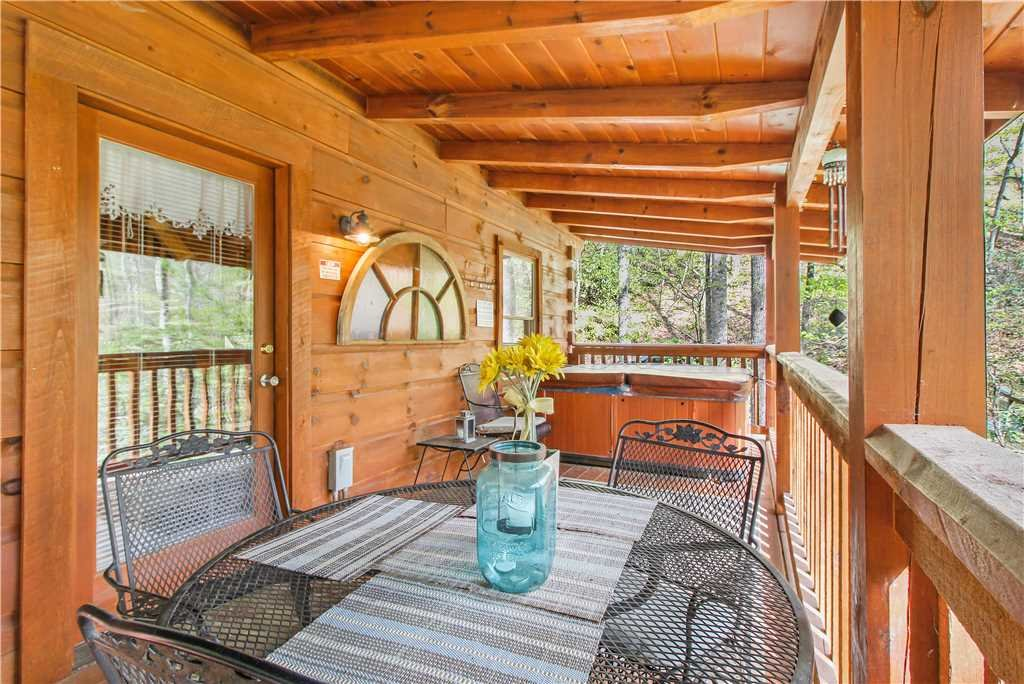 Photo of a Sevierville Cabin named Wild At Heart - This is the seventeenth photo in the set.