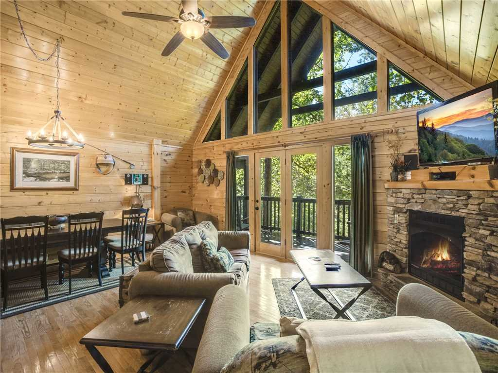 Photo of a Gatlinburg Cabin named Smoky Bear Lodge - This is the fourth photo in the set.