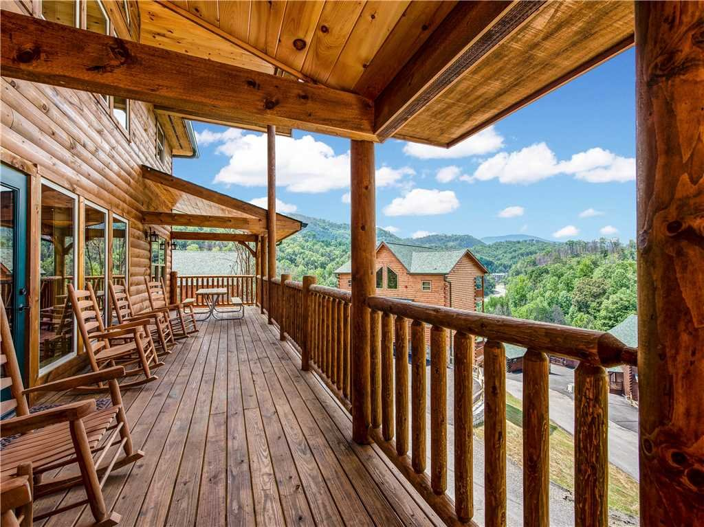 Photo of a Gatlinburg Cabin named Smoky Mountain Dream - This is the third photo in the set.