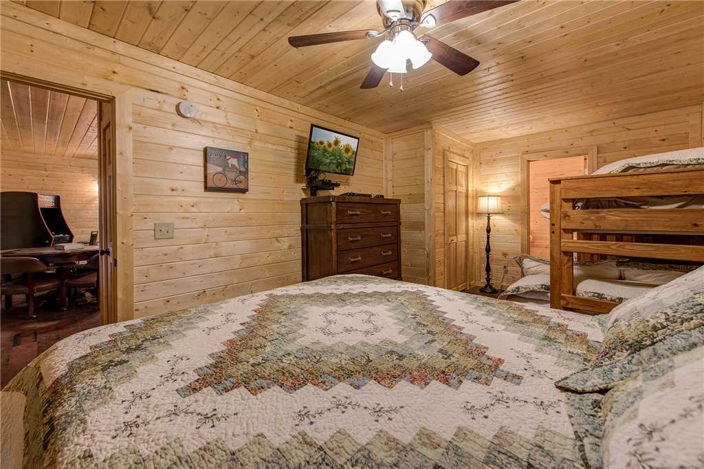 Photo of a Sevierville Cabin named Emily's Hideaway - This is the twenty-first photo in the set.
