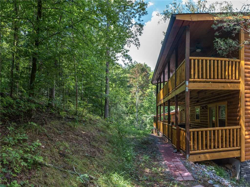 Photo of a Pigeon Forge Cabin named Mirror Pond - This is the thirty-second photo in the set.