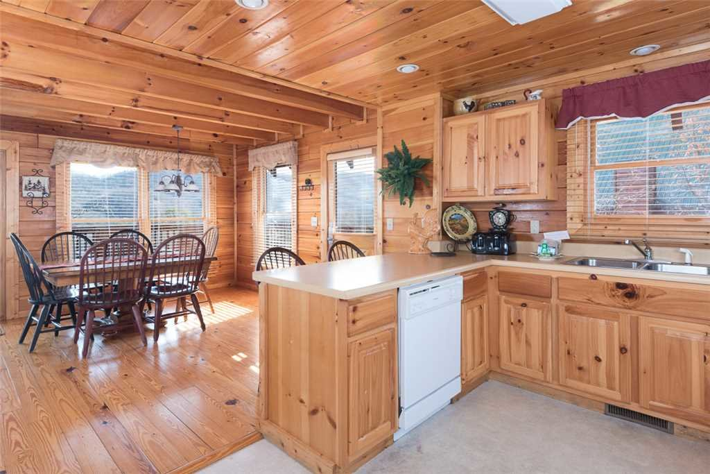 Photo of a Pigeon Forge Cabin named Cloud Nine At Sherwood Forest - This is the fourth photo in the set.