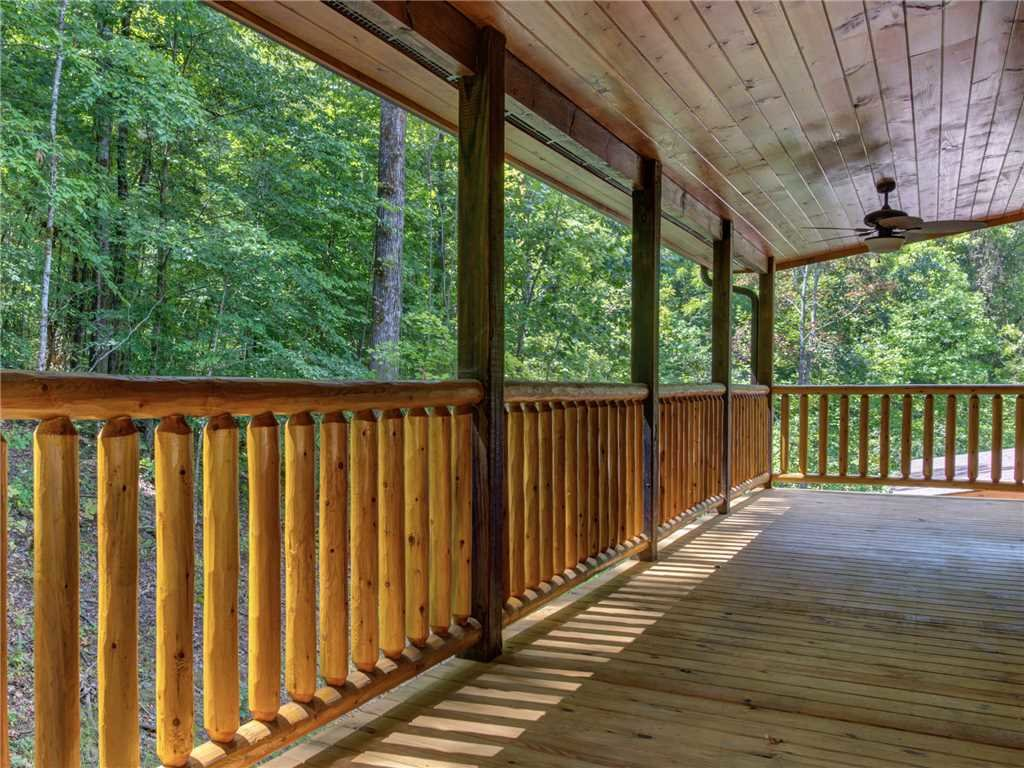 Photo of a Pigeon Forge Cabin named Mirror Pond - This is the thirtieth photo in the set.